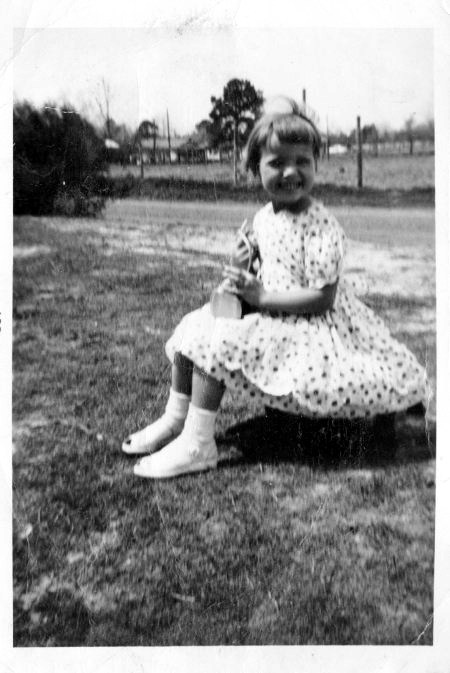 A black and white brownie snapshot of Linda Bethea as a child