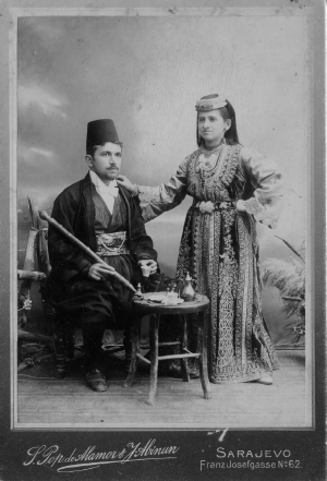 A Public Domain Photo 1900 photo of a Sephardi couple from Sarajevo
